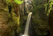 Malý Adršpašský vodopád v NPR Adršpašsko-teplické skály | Autor: Jan Miklín